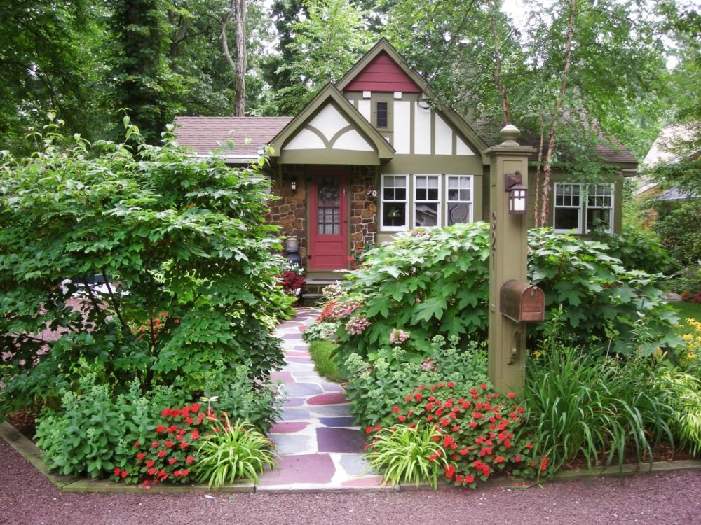 Landscaping Ideas Front Yard Corner House