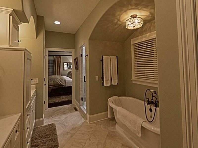 Large Master Bathroom Layout Ideas