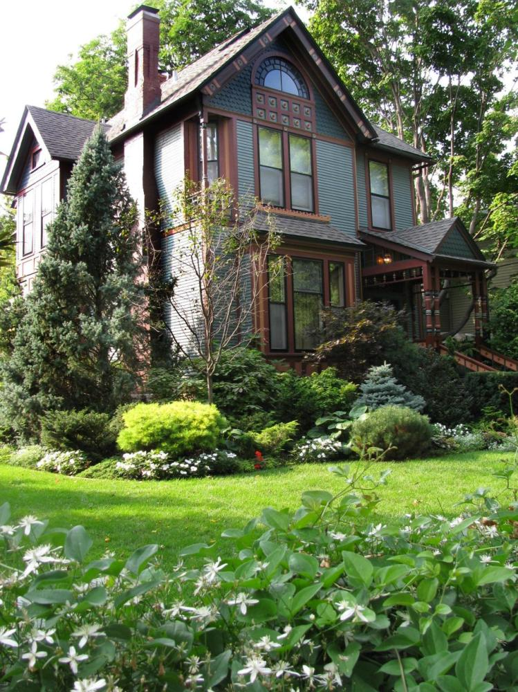 Low Maintenance Landscape Ideas For Backyards