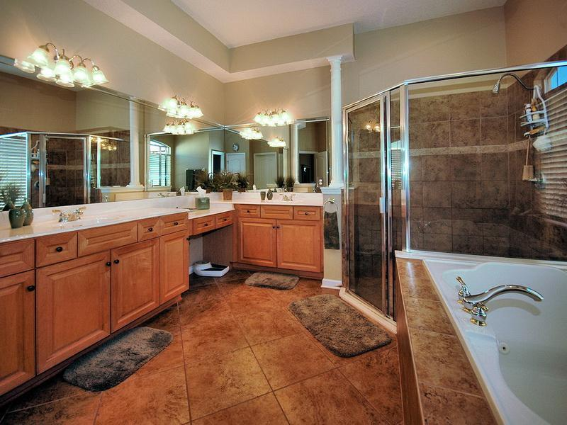 Master Bathroom Decorating Ideas Pictures