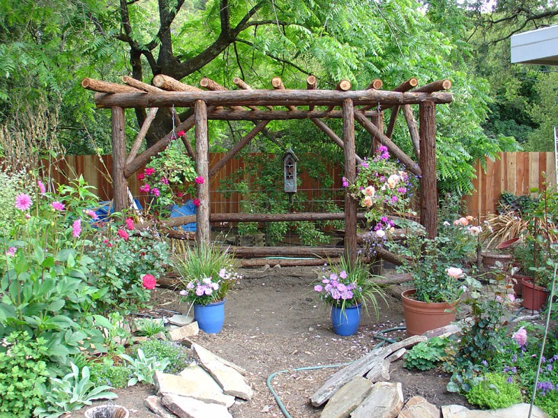 Natural Rustic Landscaping Ideas