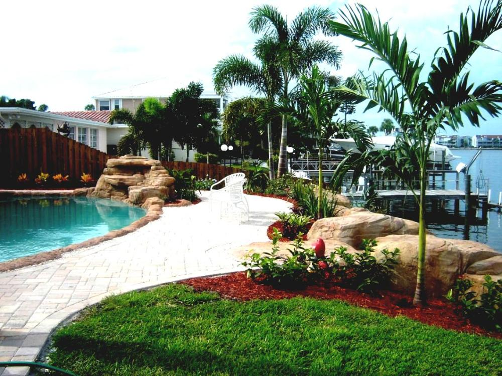 Pictures Of Landscaping Ideas For Above Ground Pools