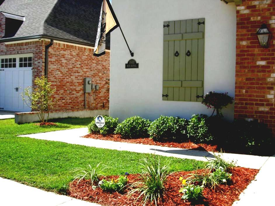 Simple Front Lawn Landscaping Ideas