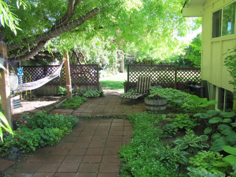 Sloping Side Yard Landscaping Ideas