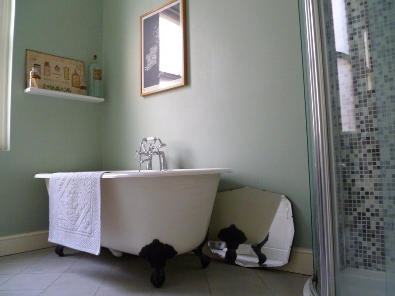 Small Bathroom Color Ideas Videos