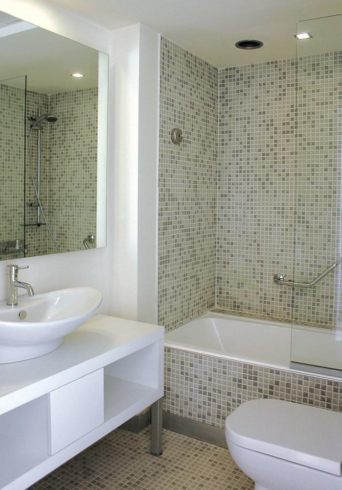 Small Bathroom Decorating Ideas With Tub