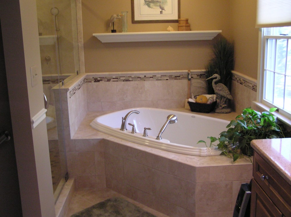 Small Bathroom Ideas With Corner Tub