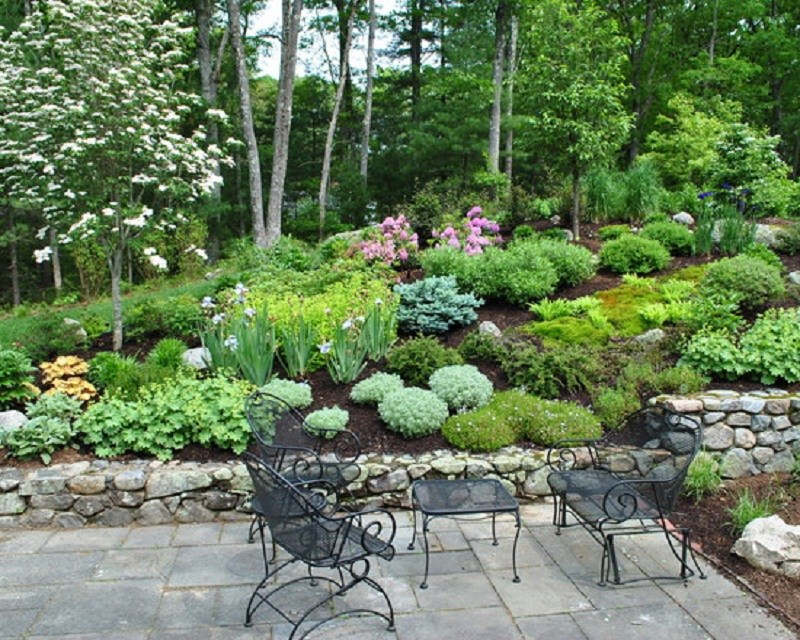 Small Hill Landscaping Ideas