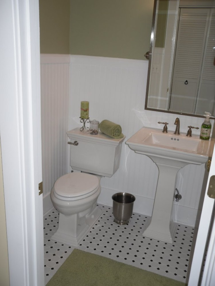 White Beadboard Bathroom Ideas