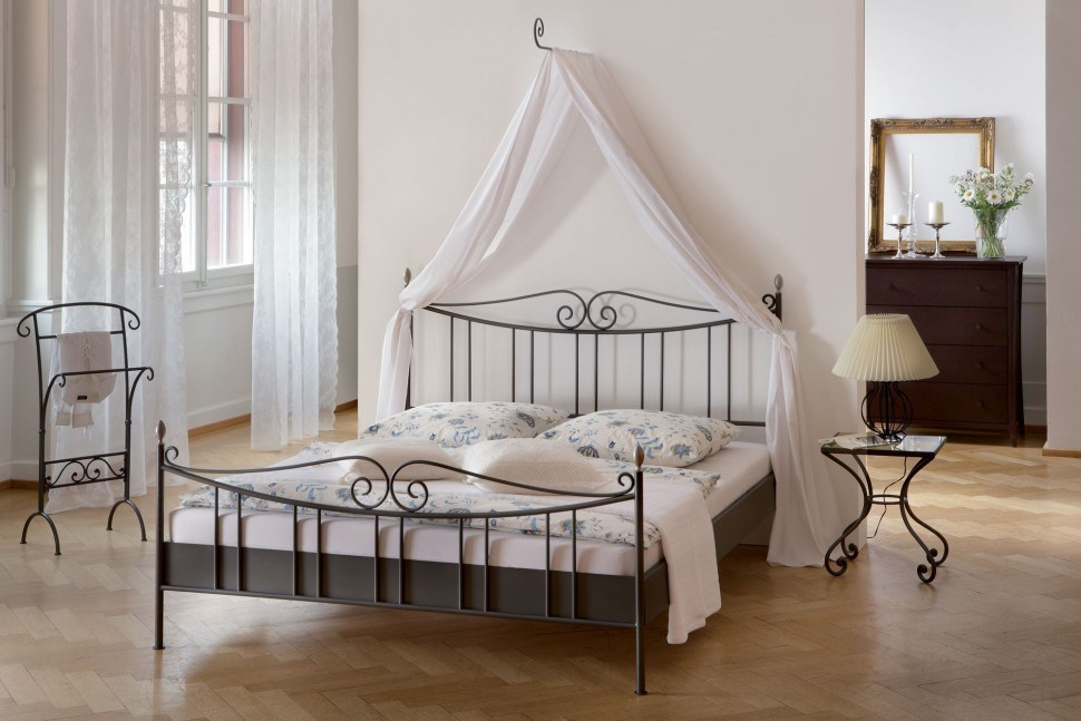 White Iron Bed Frame Queen