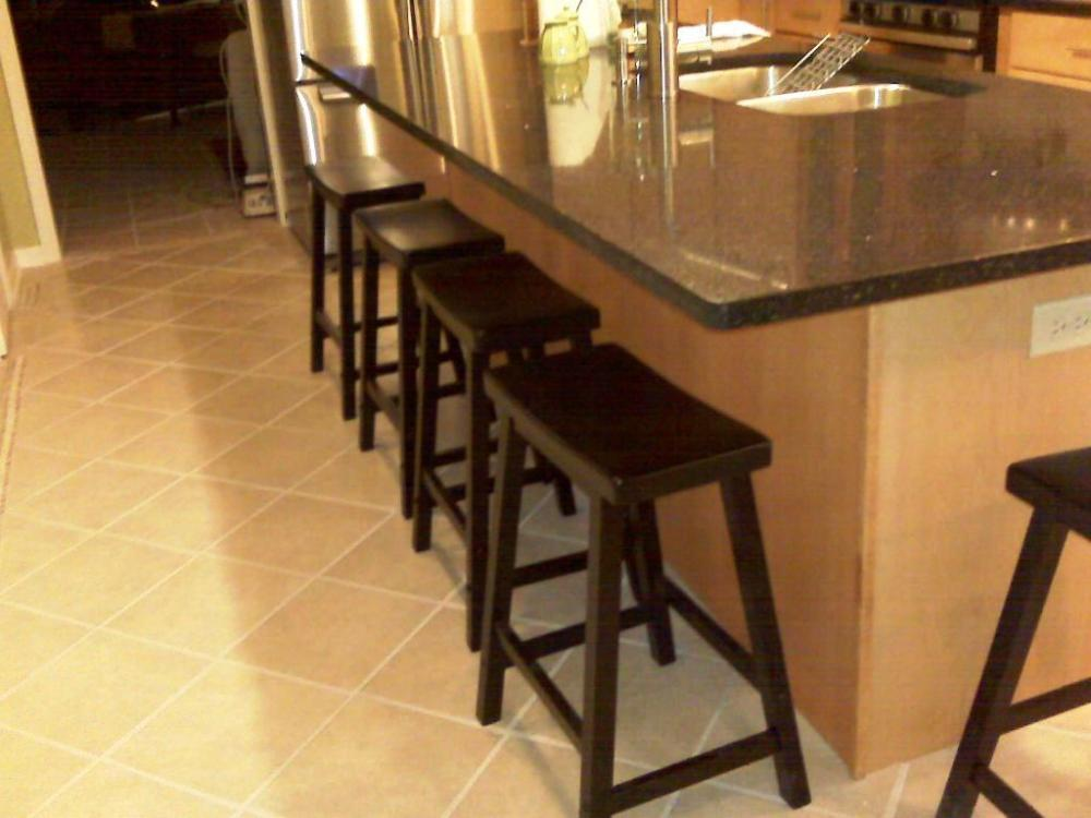 24 Inch Saddle Bar Stools