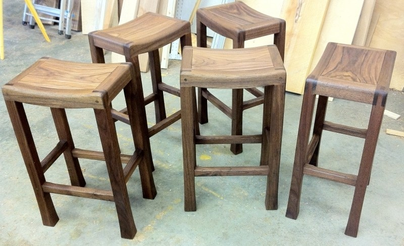 24 Wooden Saddle Bar Stools