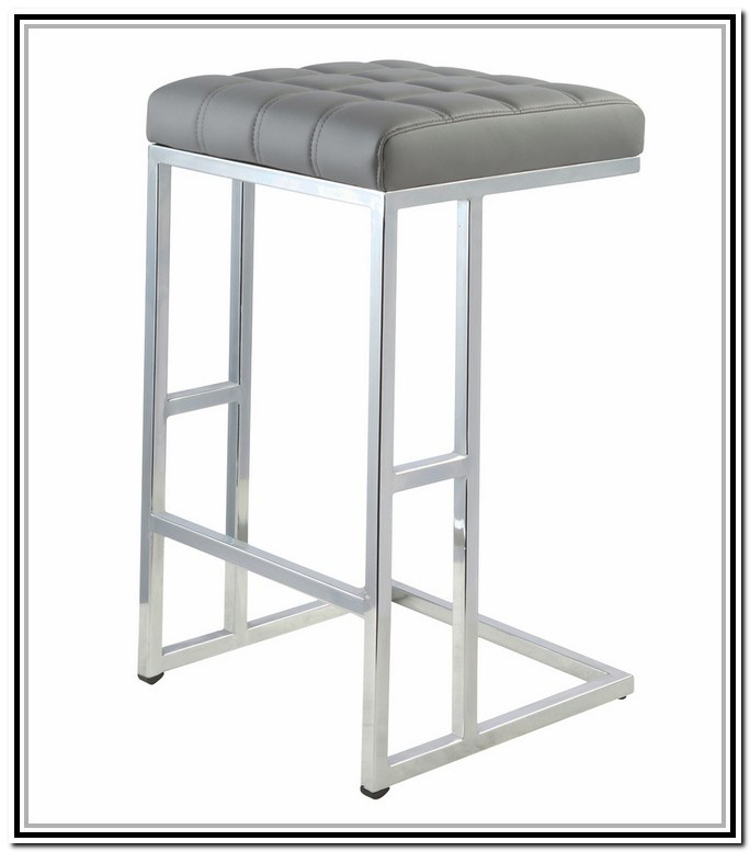 26 Bar Stools Sale