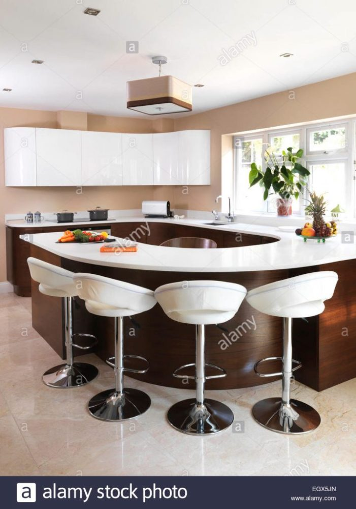 Breakfast Bar With Stools Uk