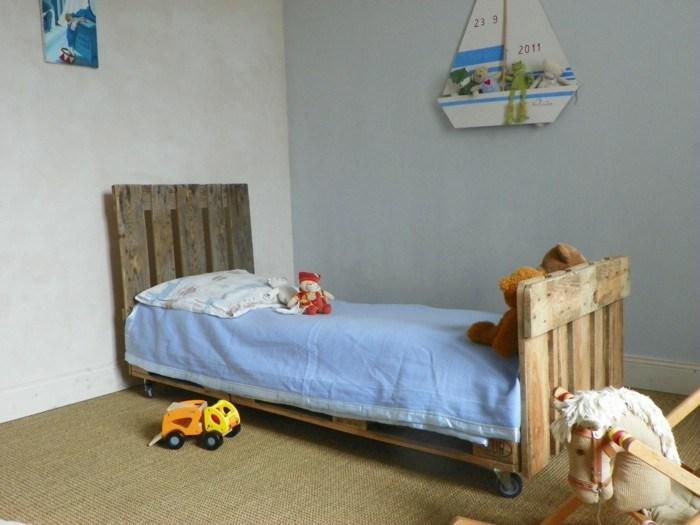 Children's Pallet Bed
