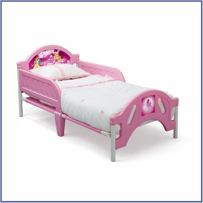 Disney Princess Toddler Bed Set 10 Piece
