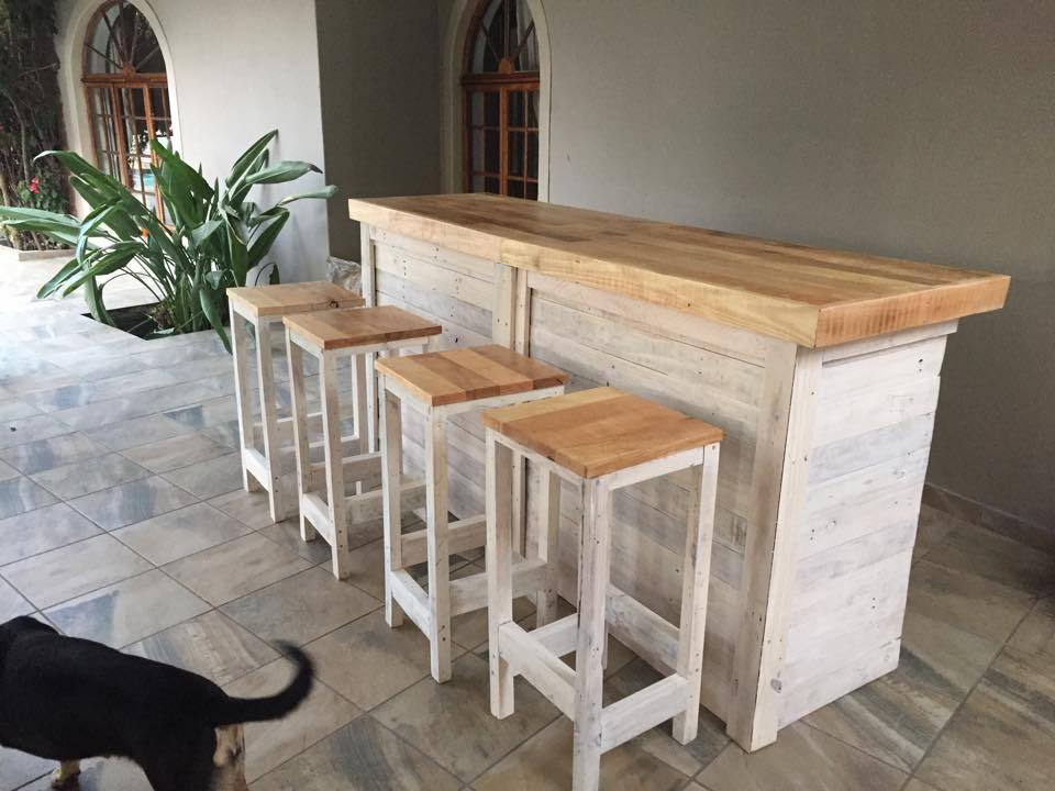 Diy Bar Stools From Pallets