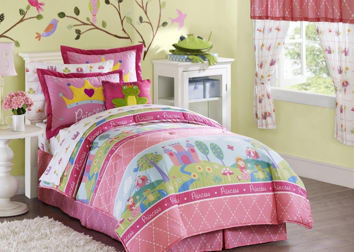 Dora Toddler Bed Comforter Set