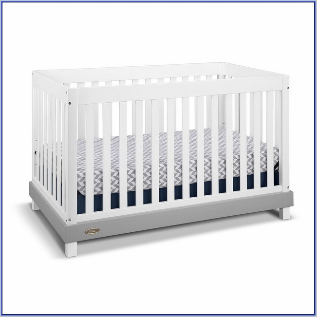 Graco White Plastic Toddler Bed