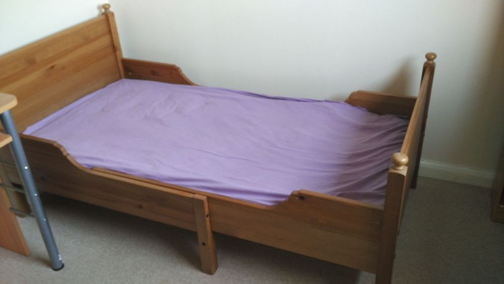 Leksvik Extendable Toddler Bed