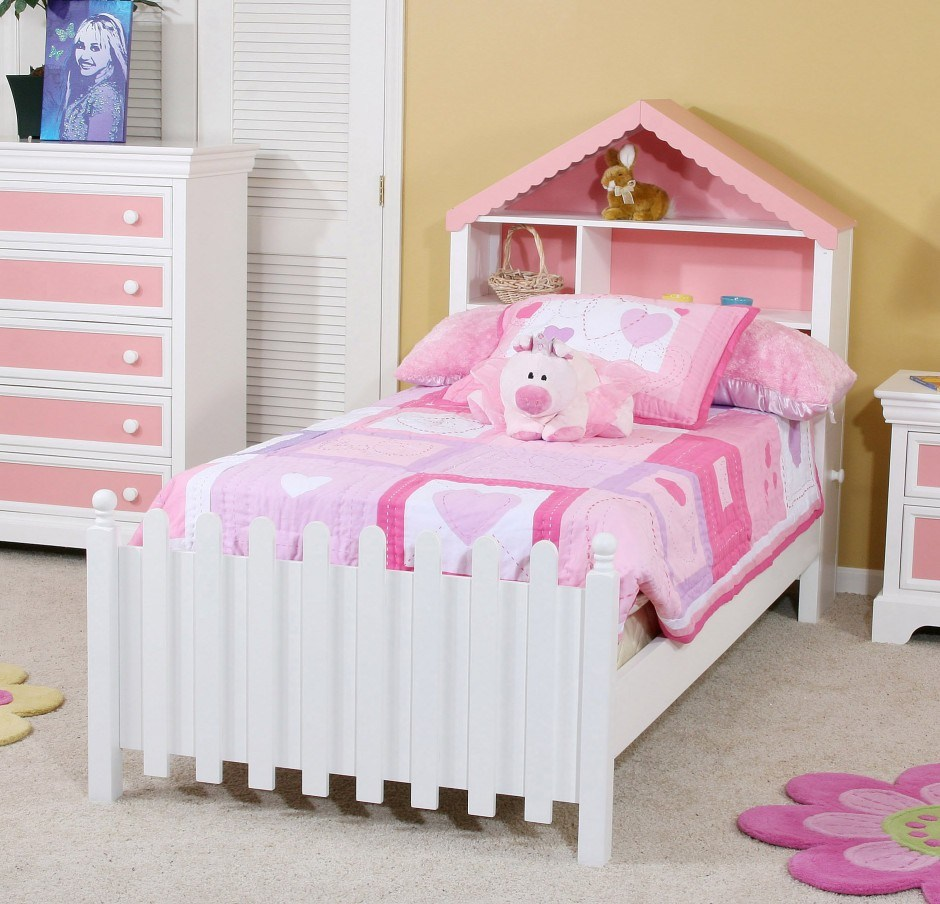 Little Girl Toddler Bed