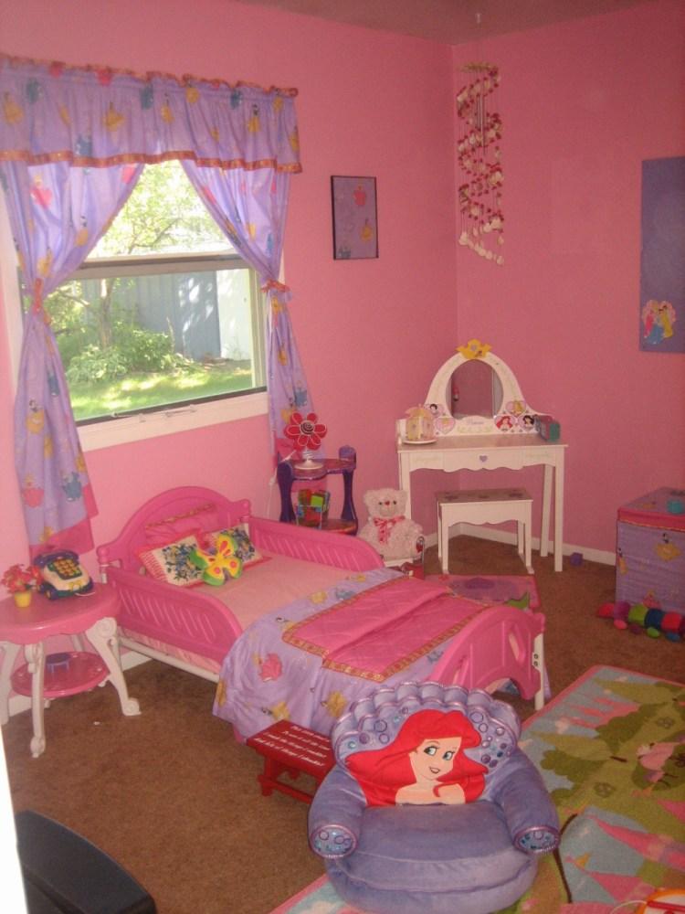 Little Girl Toddler Bedroom