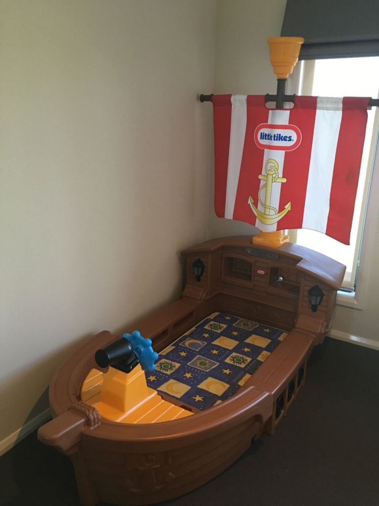 Little Tikes Pirate Ship Toddler Bed With Mattress