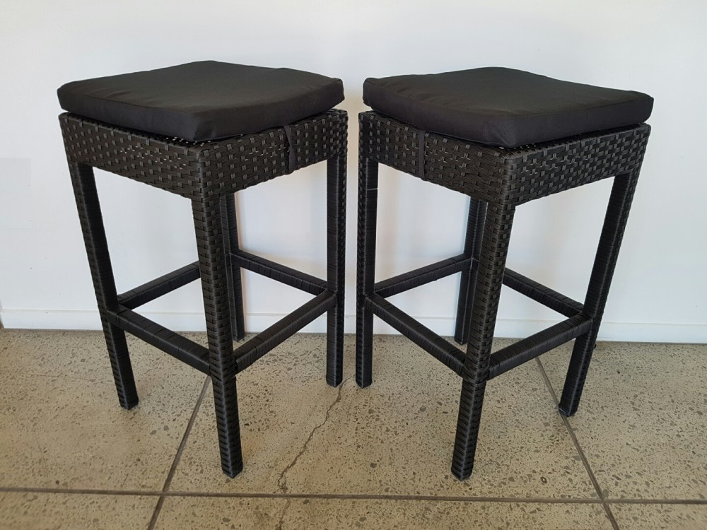 Rattan Bar Stool With Cushion