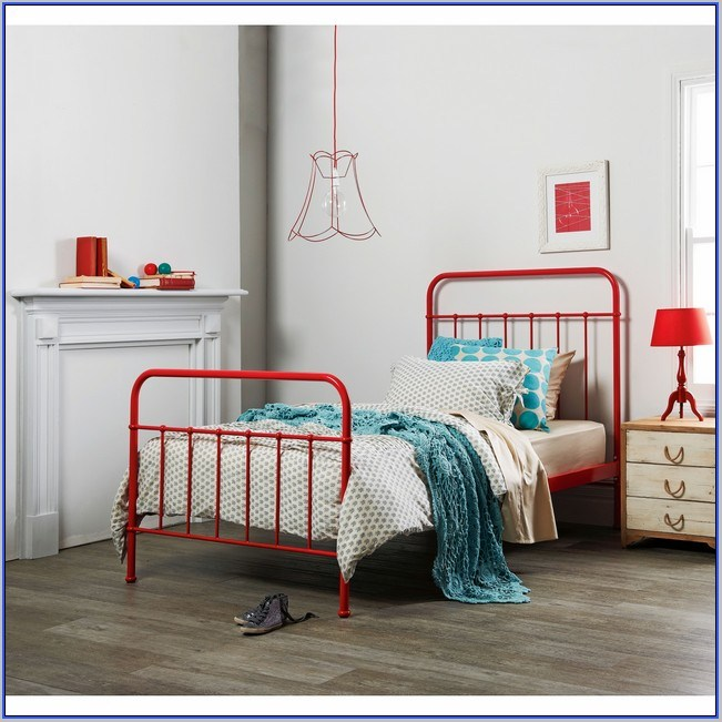Red Metal Toddler Bed