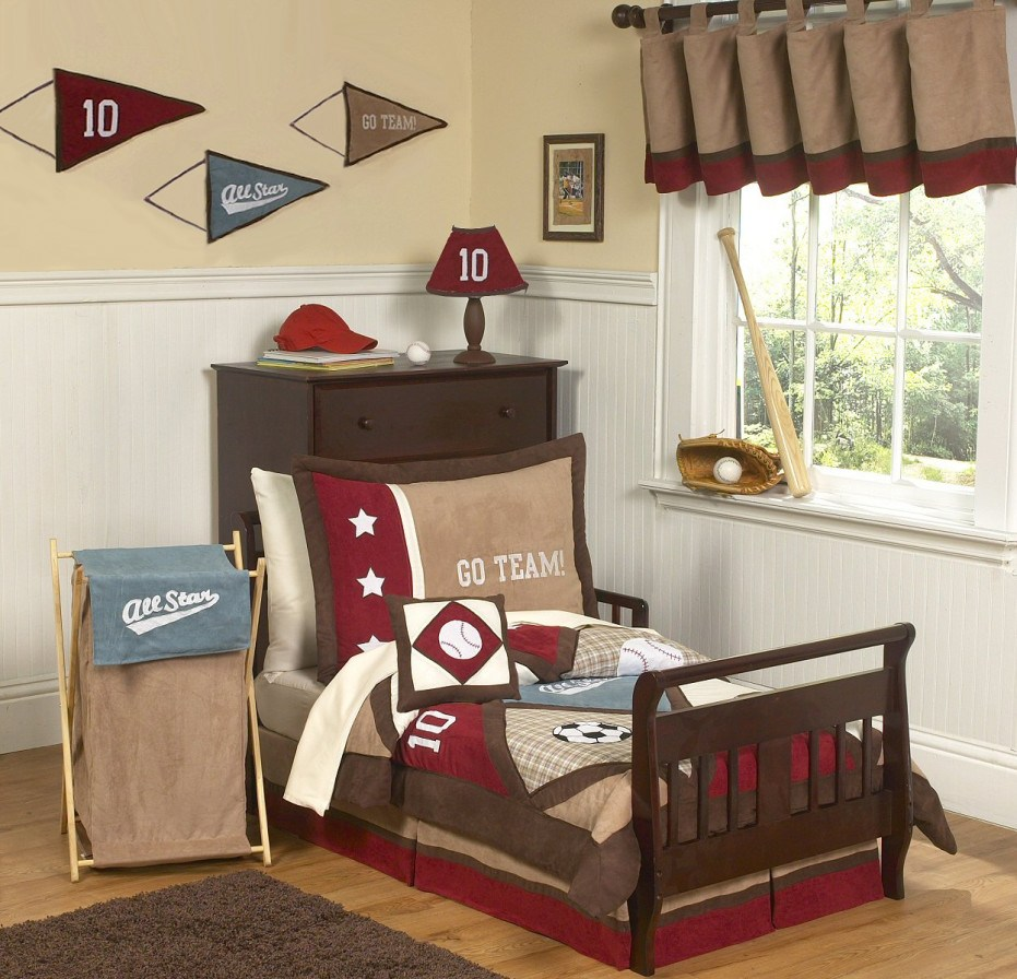 Small Toddler Bedroom Design