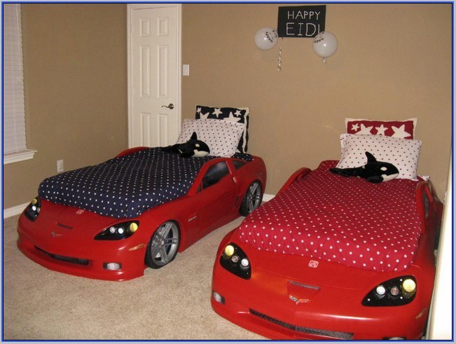 Step2 Corvette Toddler To Twin Bed With Lights Red