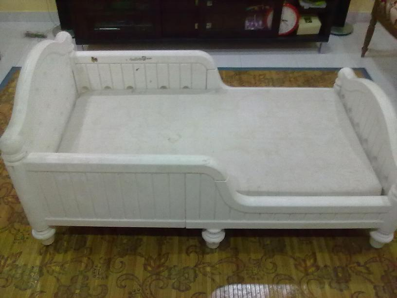 Toddler Bed White Plastic