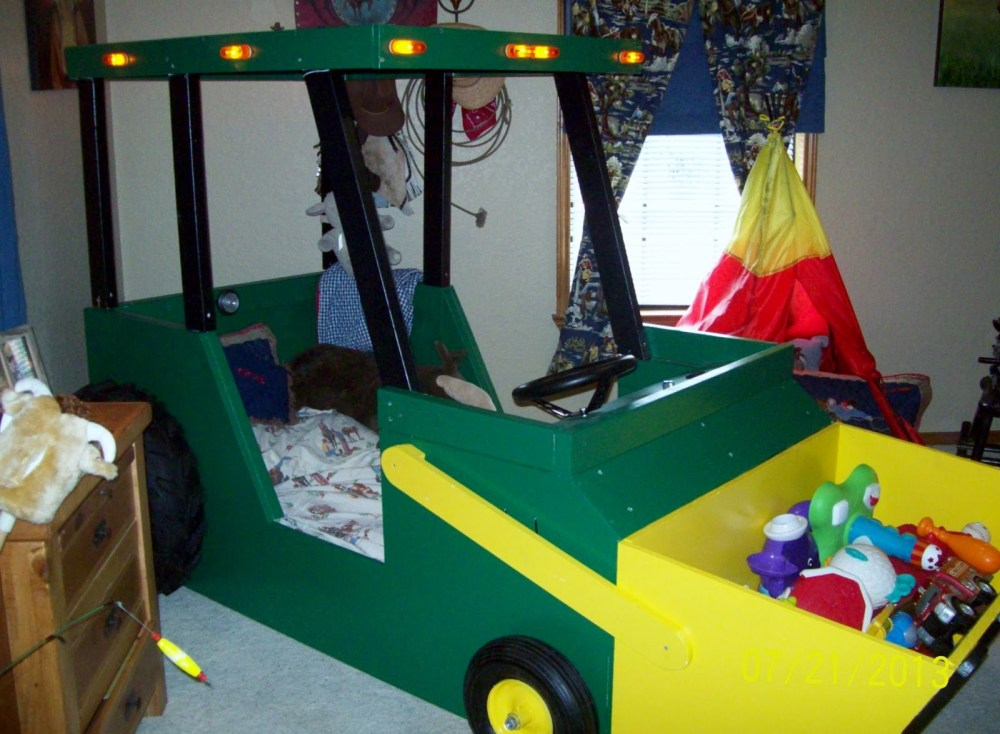 Tractor Toddler Bed