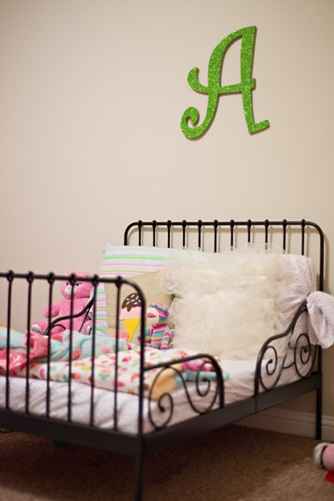 White Iron Toddler Bed