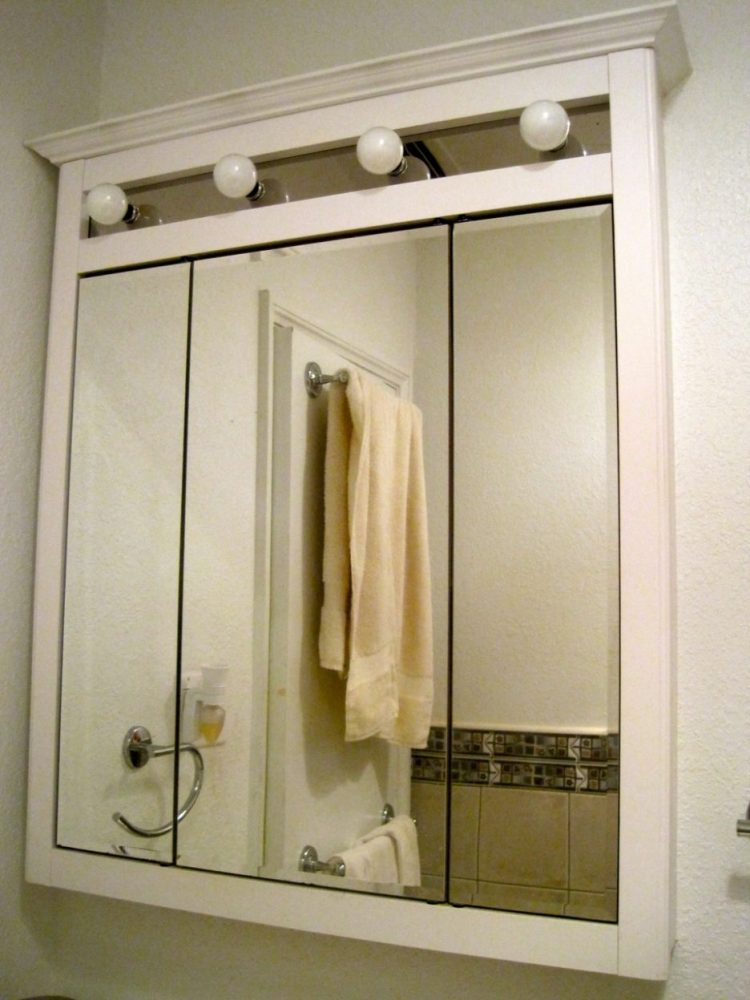 White Wood Mirrored Medicine Cabinet