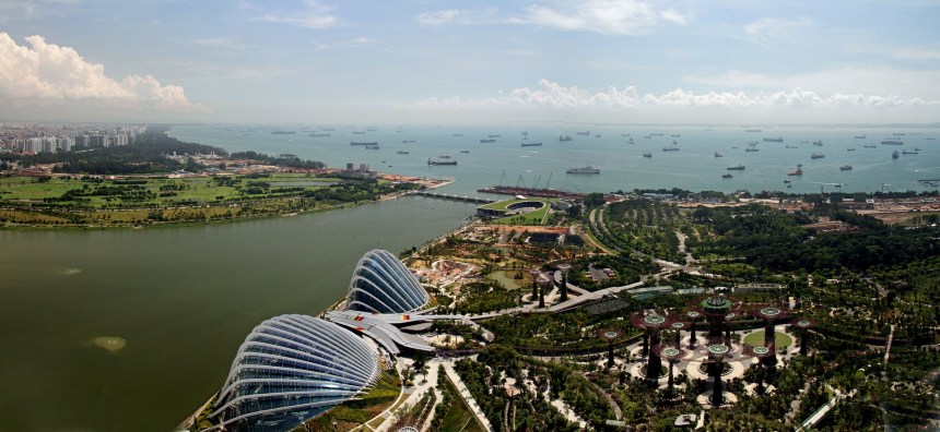 Singapore bans open-loop scrubbers in port waters