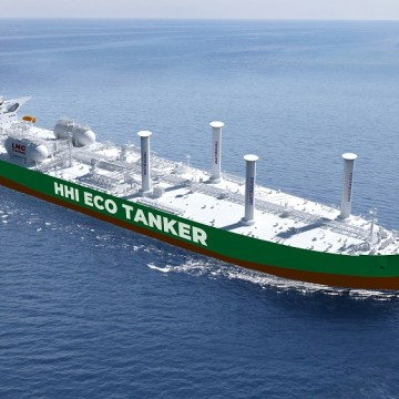HHI receives LR AiP for LNG and wind powered VLCC