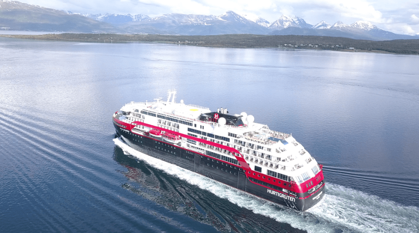 Battery-powered cruise ship sets new standards in propulsion