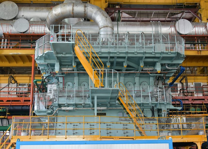 WinGD delivers two-stroke engine with NOx aftertreatment