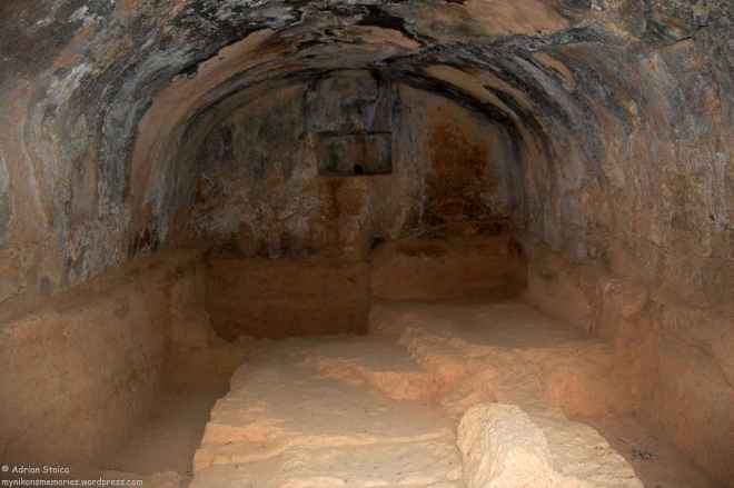 Tombs4