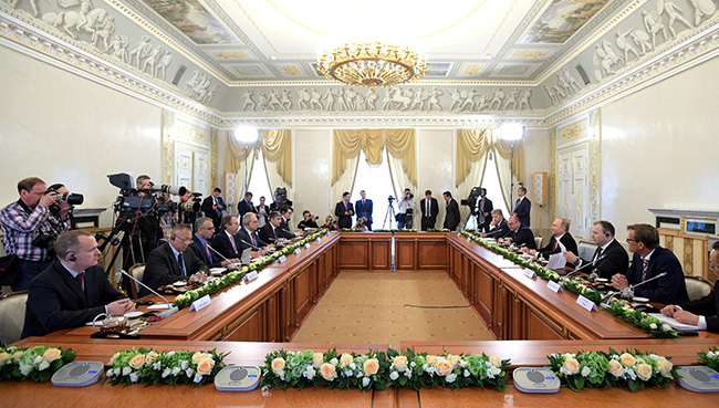 NESHVATANJE ZABRINJAVAJUĆIH DOGAĐANJA U SVETU-Sankt Peterburški ekonomski forum