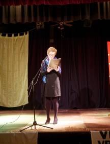 """Ank Selan je prebrala Prešernovo """"O Vrba"""" v slovenskem in nizozemskem jeziku (foto: Keimpe Dijkstra)"""