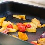 Aardappelpartjes en groenten uit de oven