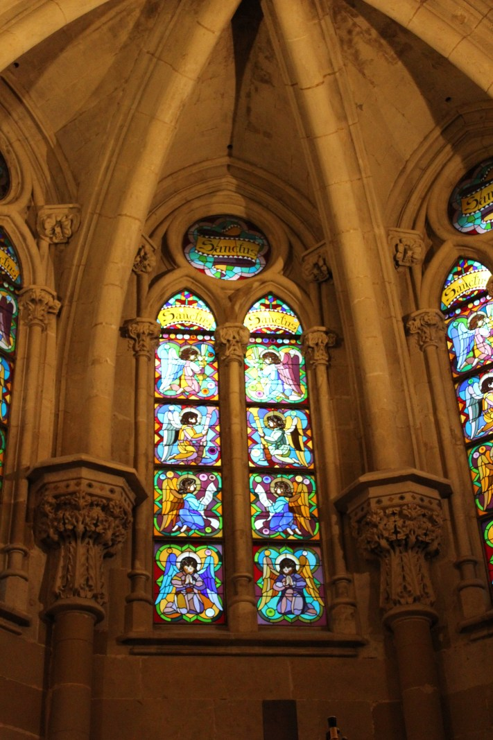 Neo-gotische glas in lood raam