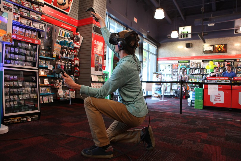 htc-vive-gamestop4