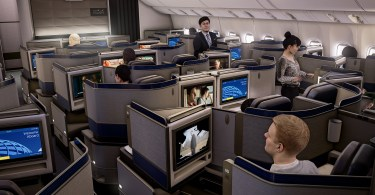 united-airlines-vr-matt-damon3