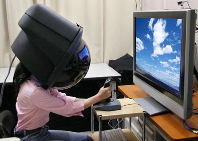 bizarre-vr-headsets