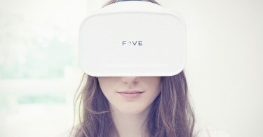 fove-headset-woman