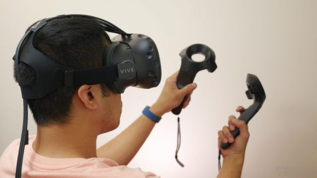 HTC Vive 218 1024x576 HTC Vive Price Drop: The new pricing is making the old buyers jealous!