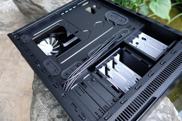 Fractal-Design-Define-Mini-Case-02